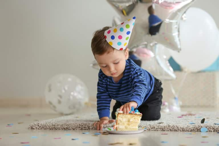 Did your little soldiers drop a cake bomb on the carpet? Worry not! Here's how you can effortlessly remove it from your rug!