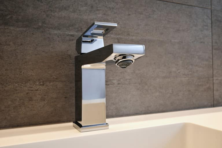 Check out these tips and tricks to keep your taps and other bathroom fittings shining all the time!