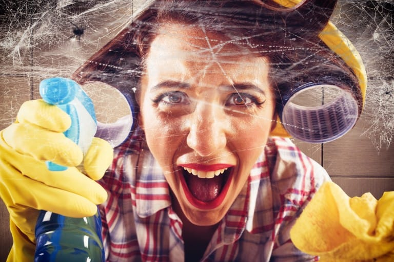 simple tips and tricks to clean cobwebs using household supplies