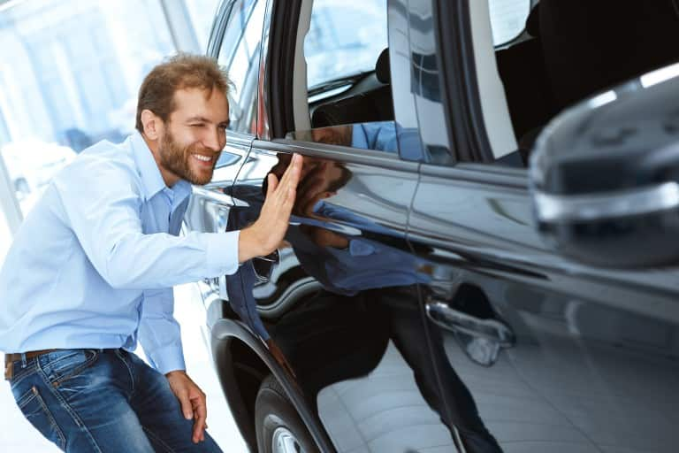 Did your weekend activity end with paint stains on your car_ Relax! Check out this simple method to get rid of the spots!