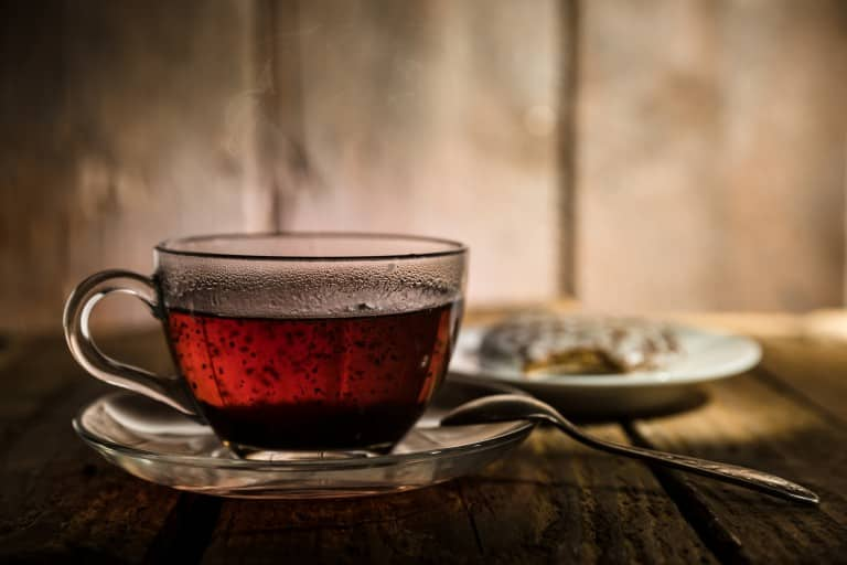 Did you drop some black tea on your salwar kameez? Check out these simple tips to get rid of that tough stain!
