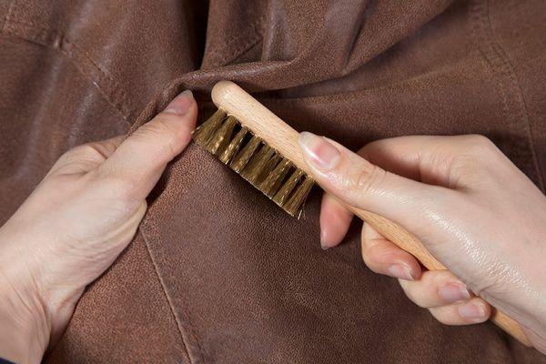 Süet Ceket Nasıl Temizlenir?
