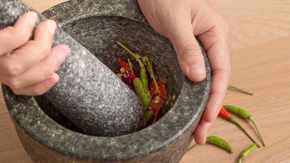 Mách bạn cách làm hết cay ớt ở tay đơn giản