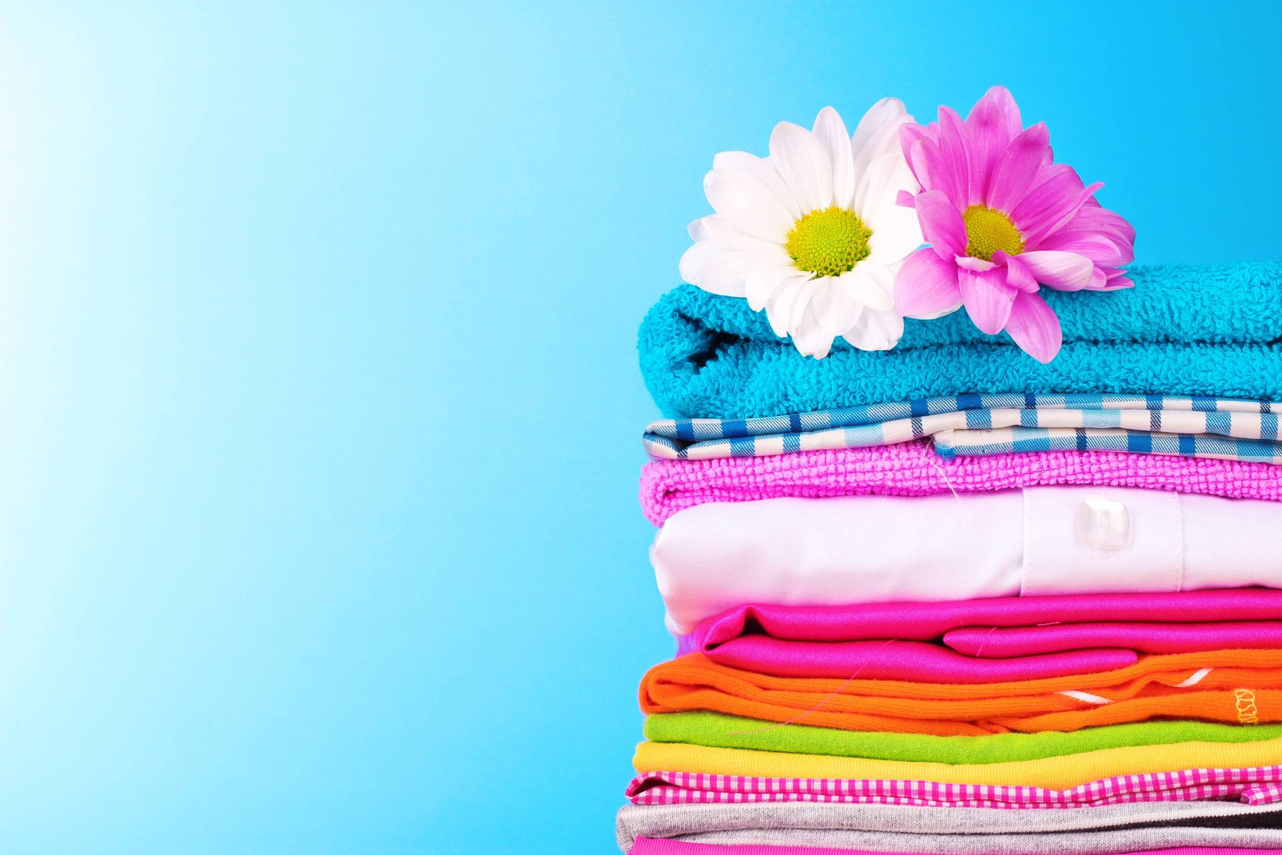 Here's How to Add a Long-Lasting Fragrance to Your Clothes