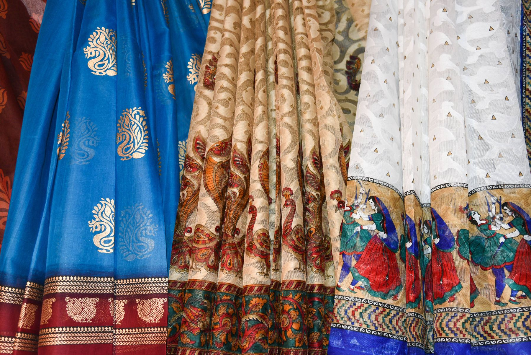 how-to-take-care-of-festive-clothes-this-Diwali-2