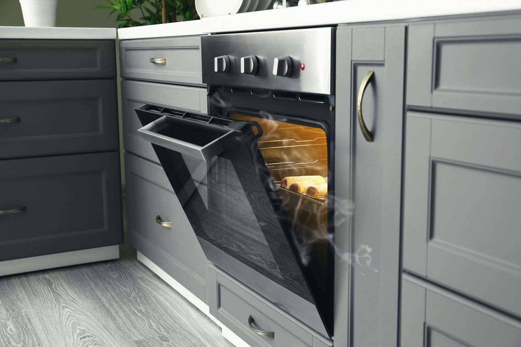 How to Clean Different Types of Ovens shutterstock 1402319162