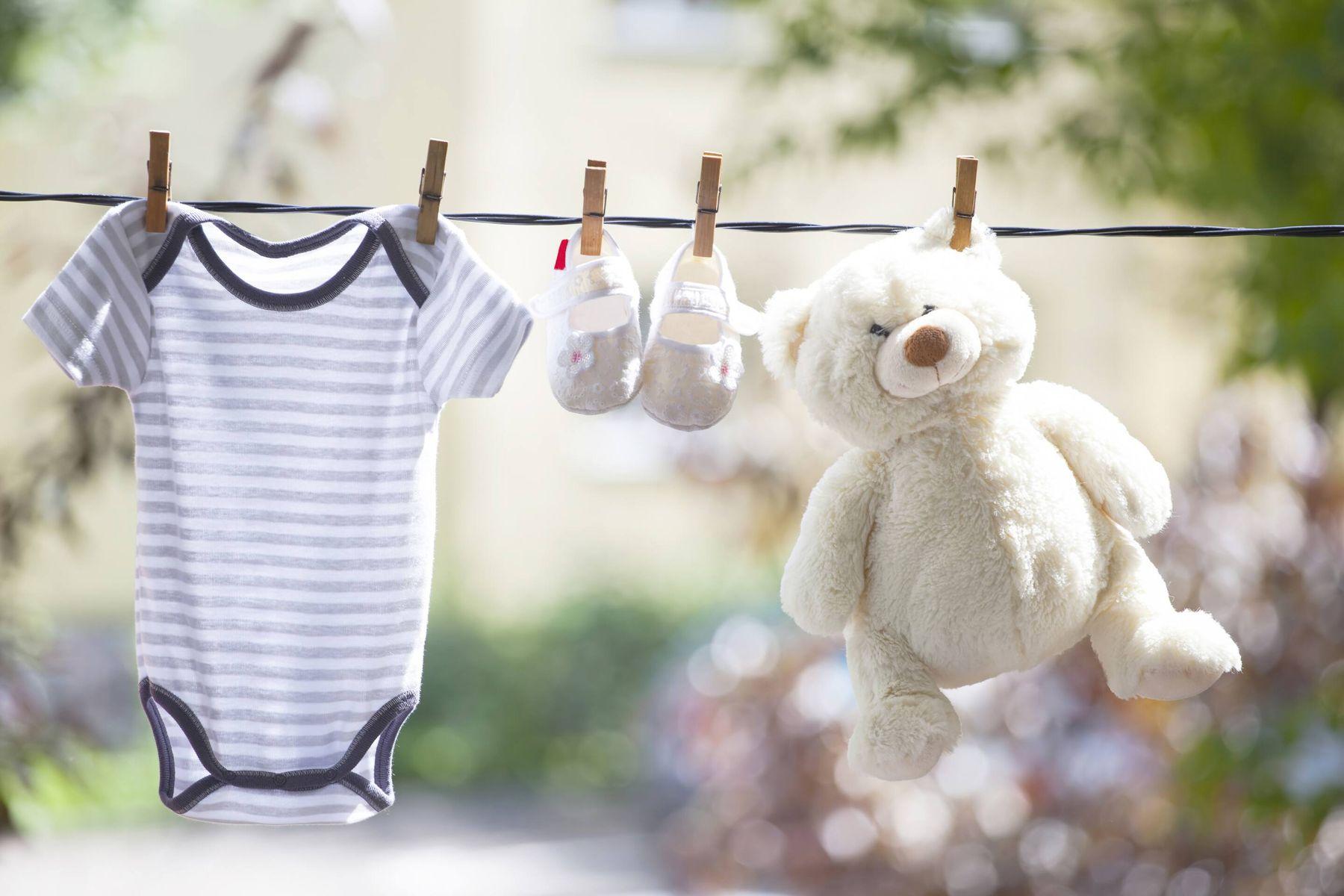 Bảo quản quần áo sơ sinh: Tưởng không khó mà khó không tưởng