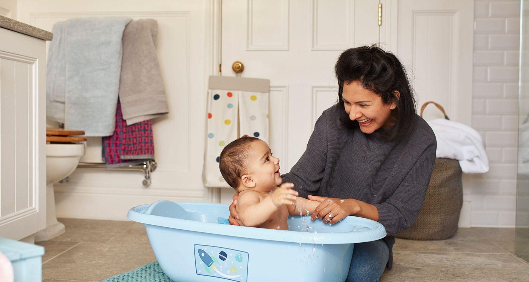 Những lưu ý khi vệ sinh cho bé một cách an toàn nhất