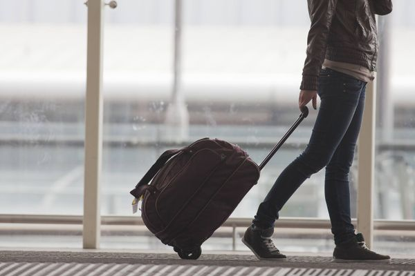 How to Clean your Luggage | Cleanipedia