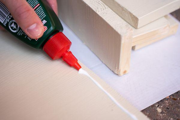 ¿Cómo sacar el pegamento de la madera sin dañarla?