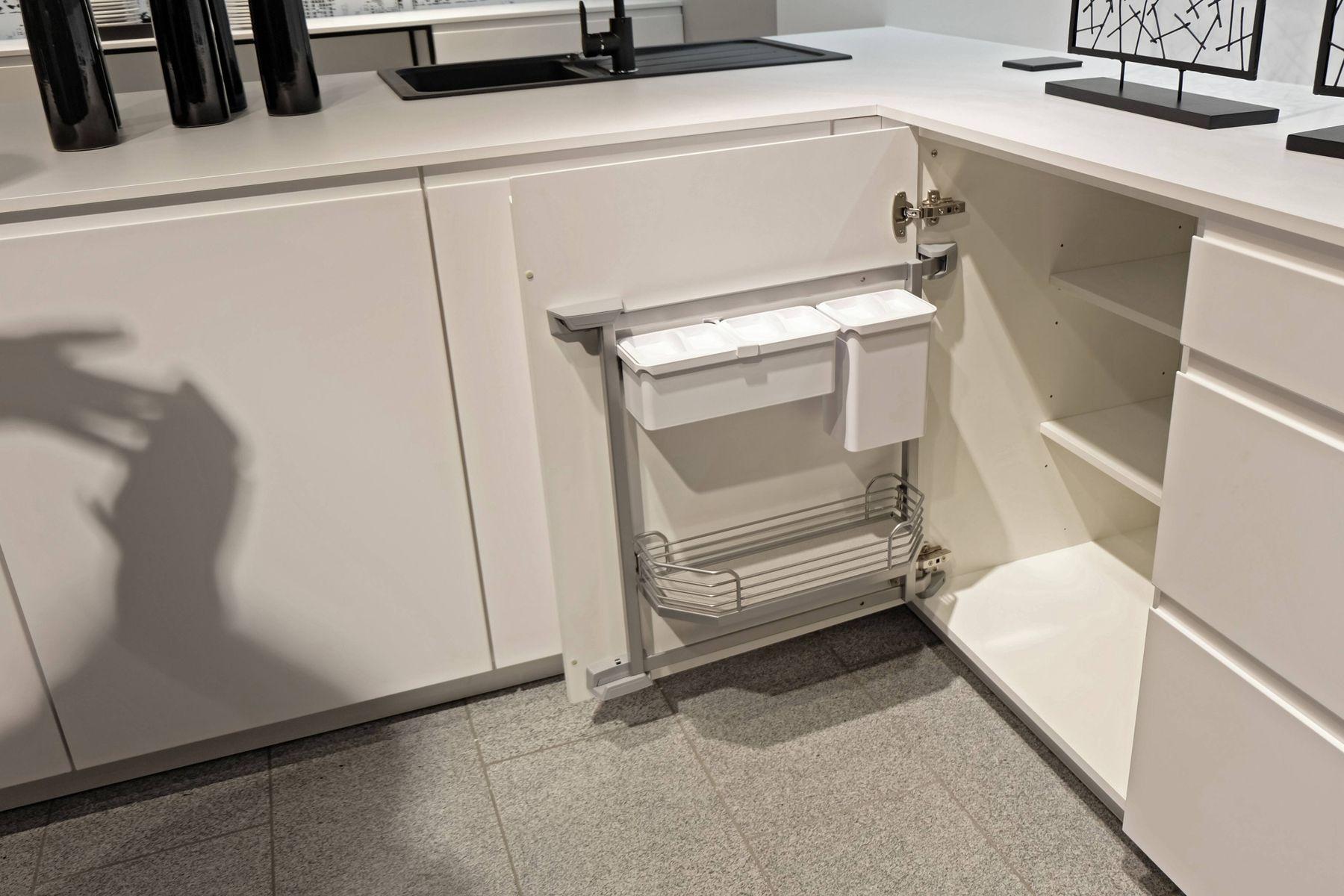 Simple method to clean storage units