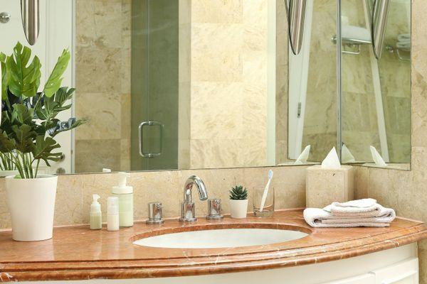 cách vệ sinh phòng tắm