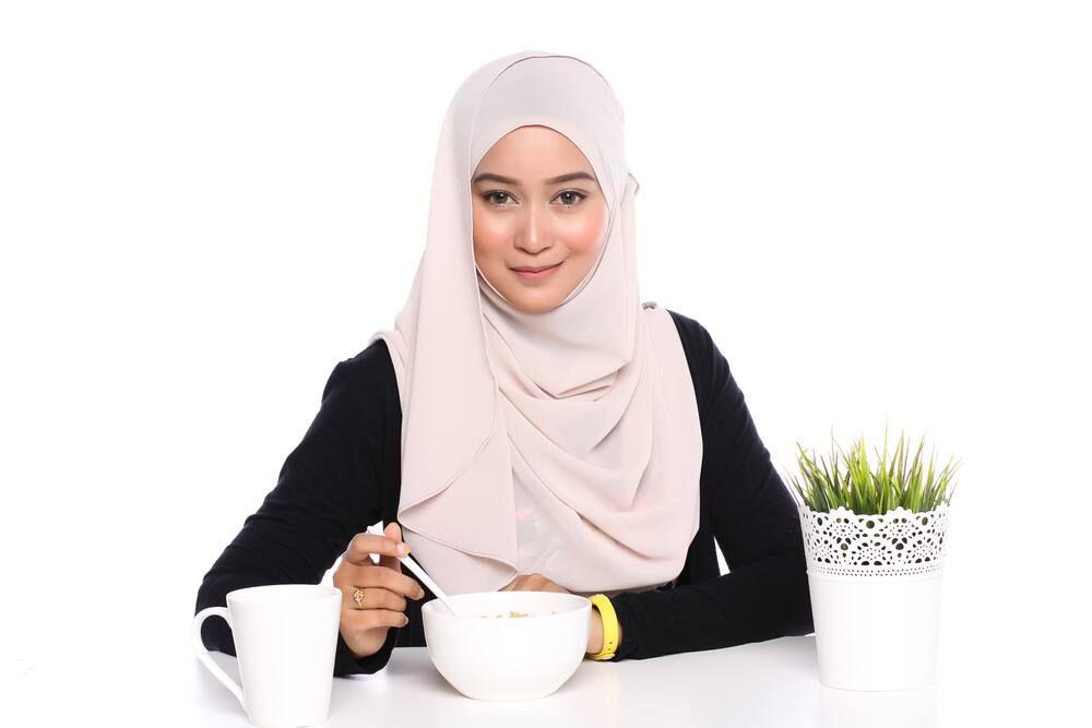 Tips Memadukan Warna Pakaian dan Hijab agar Tampak Serasi