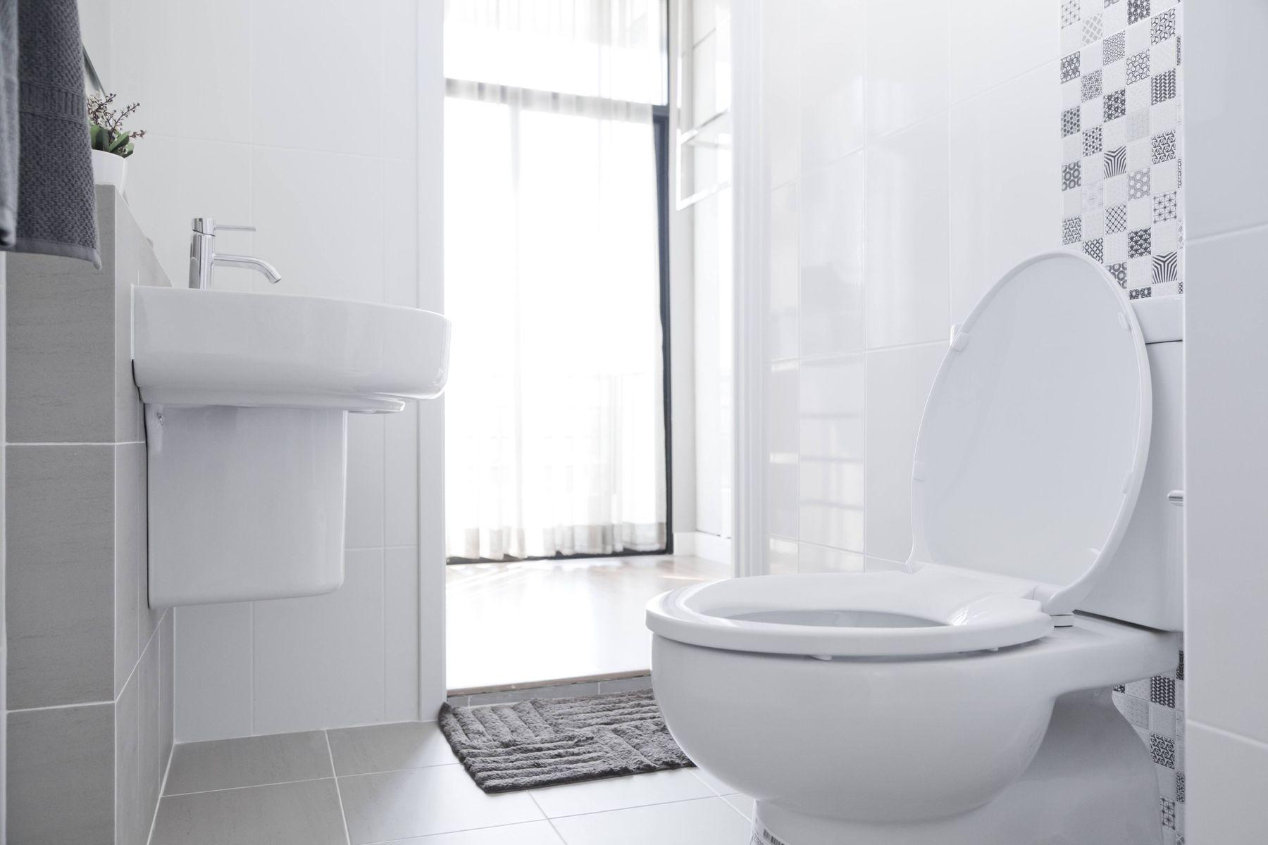 Bayramda misafirlerinizin mutlaka ziyaret edeceği odalardan birisi olan tuvaletlerinizin temizliği ve hijyeni oldukça önemlidir.