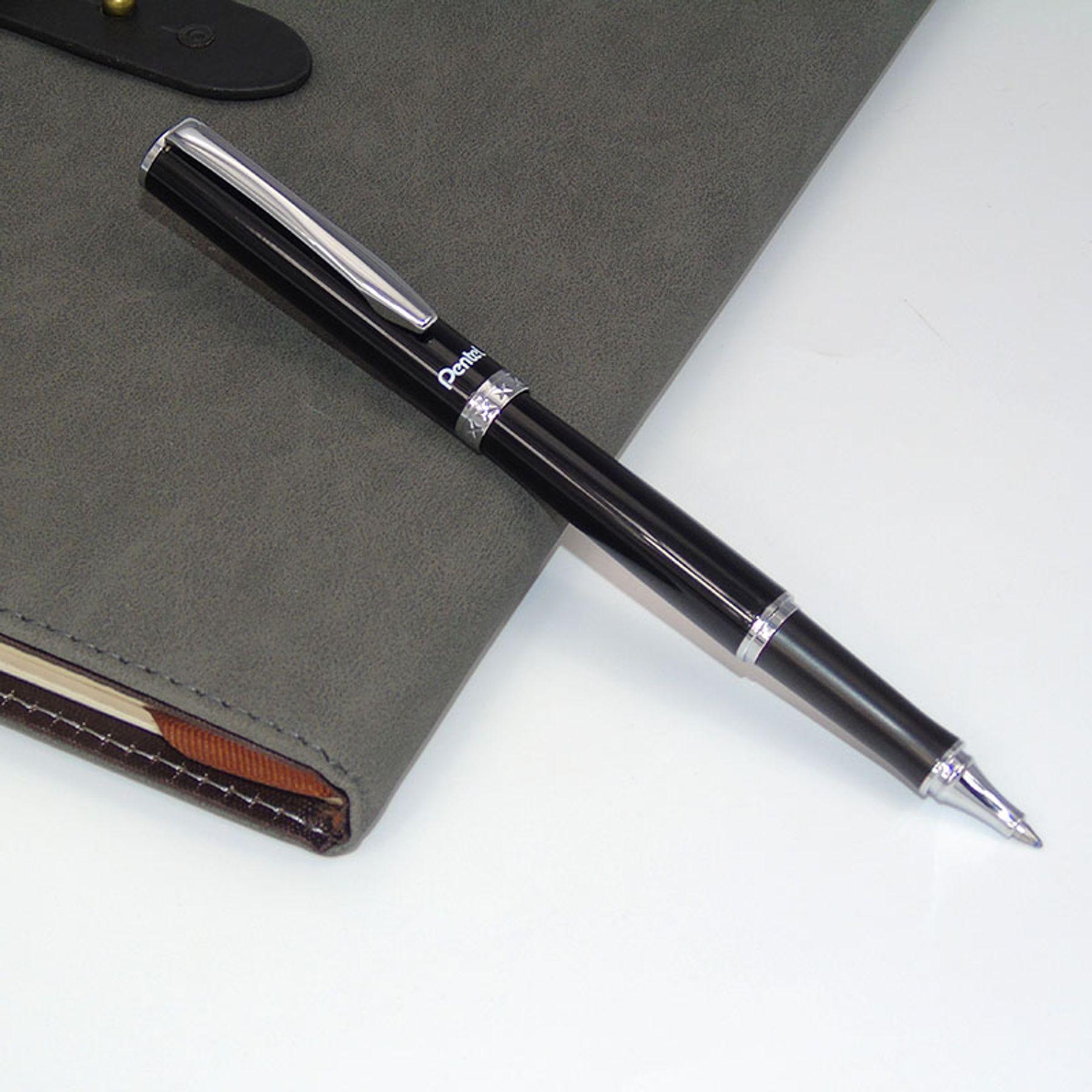 Tặng bút mực và sổ da cho bạn trai