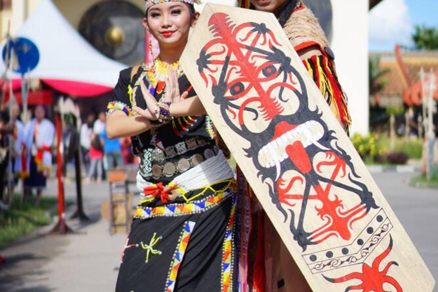 Pakaian Adat Kalimantan Timur yang Memukau Dunia
