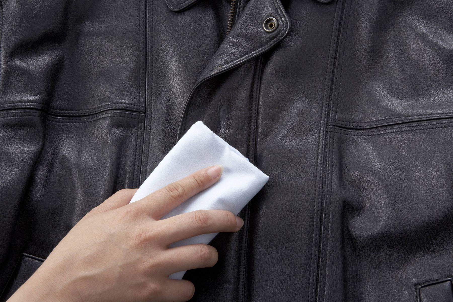Did the crow spoil your perfectly sleek and shiny leather jacket? Here are a few methods you can try to get rid of stains from your leather apparels