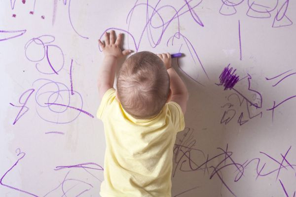 Easy Ways to Remove Your Child's Scribbles from Your Walls | Cleanipedia