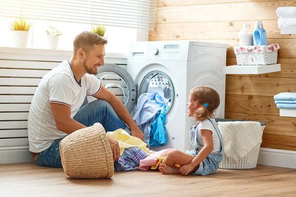 Dùng nước giặt cho trẻ sơ sinh co tốt không? Review nước giặt tốt nhất