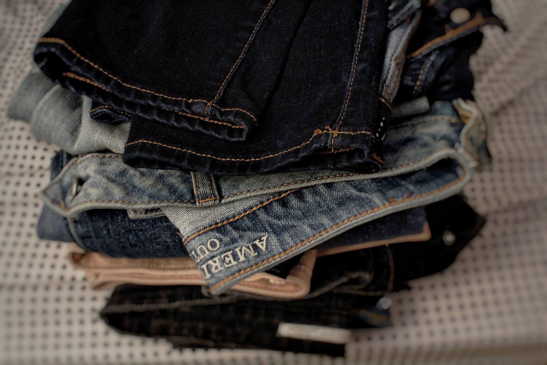 Hô biến chiếc quần Jeans cũ thành mới với 2 tips sau
