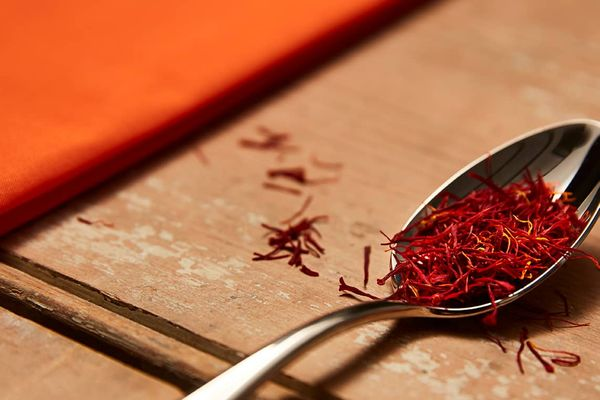 how to remove saffron stains from clothes