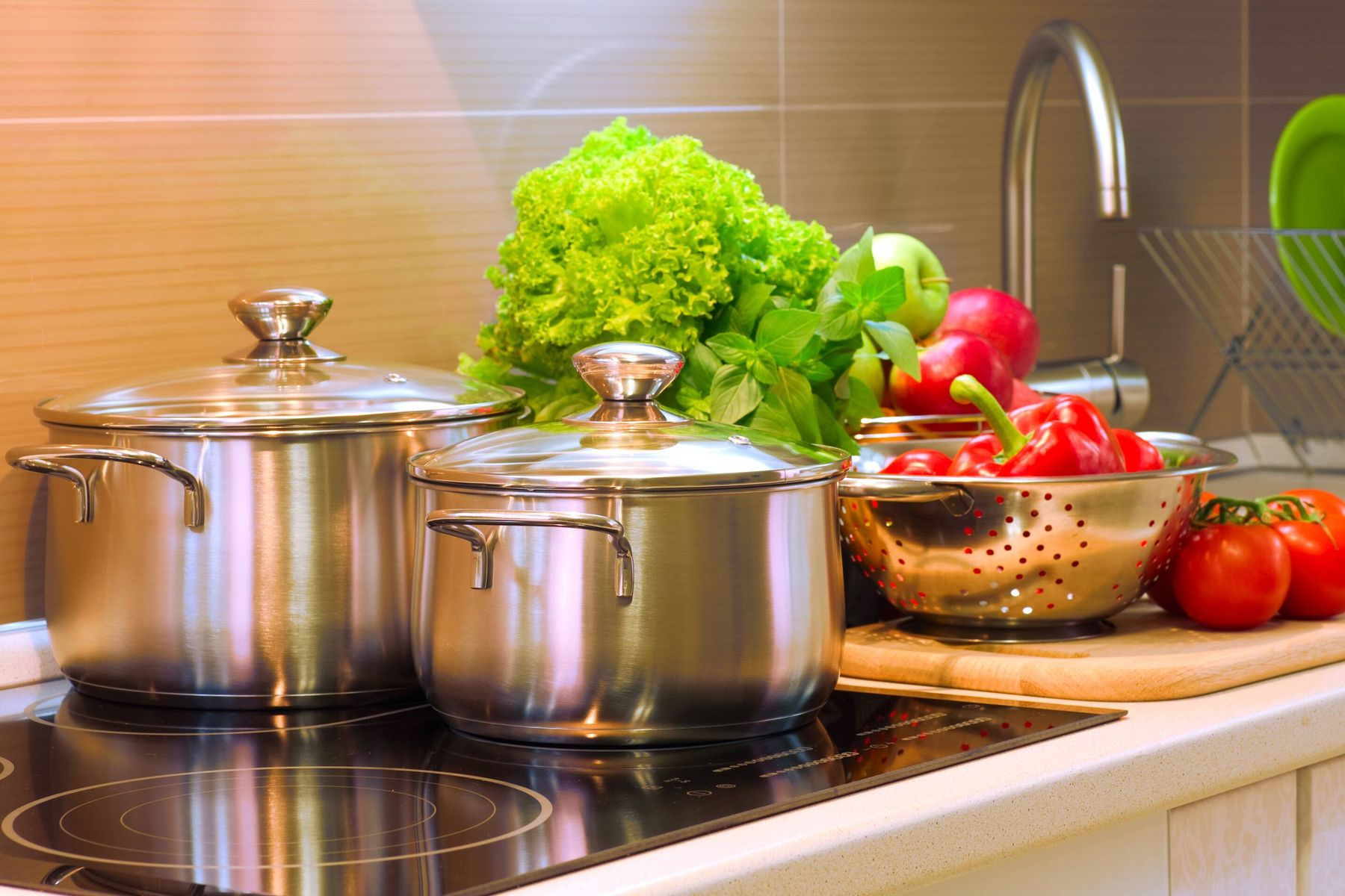Here's How You Can Keep Your Stainless Steel Utensils Spotless