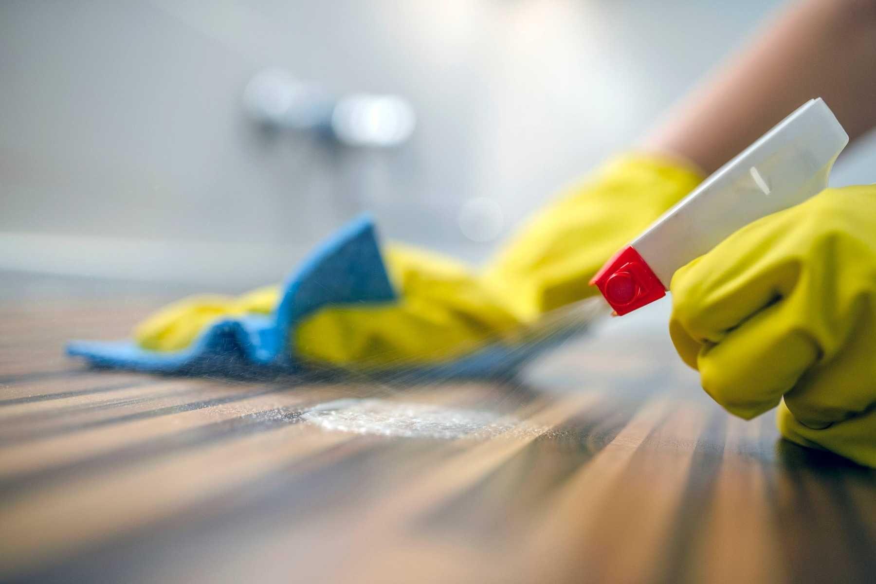Cách lau sàn nhà sạch bóng - mẹo hay từ Cif