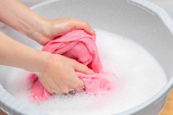 Mách bạn cách bảo quản khăn sữa cho bé bền đẹp