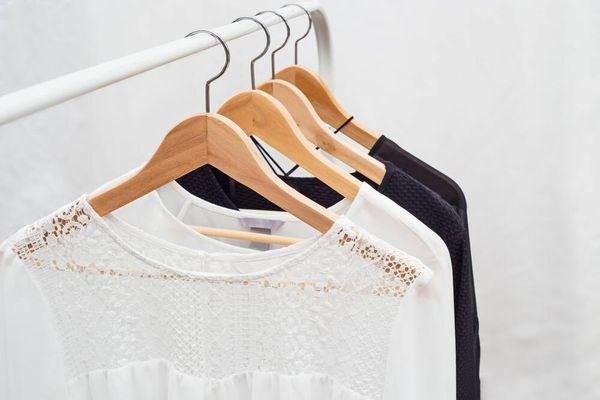 Tips menghilangkan noda baju bahan sifon