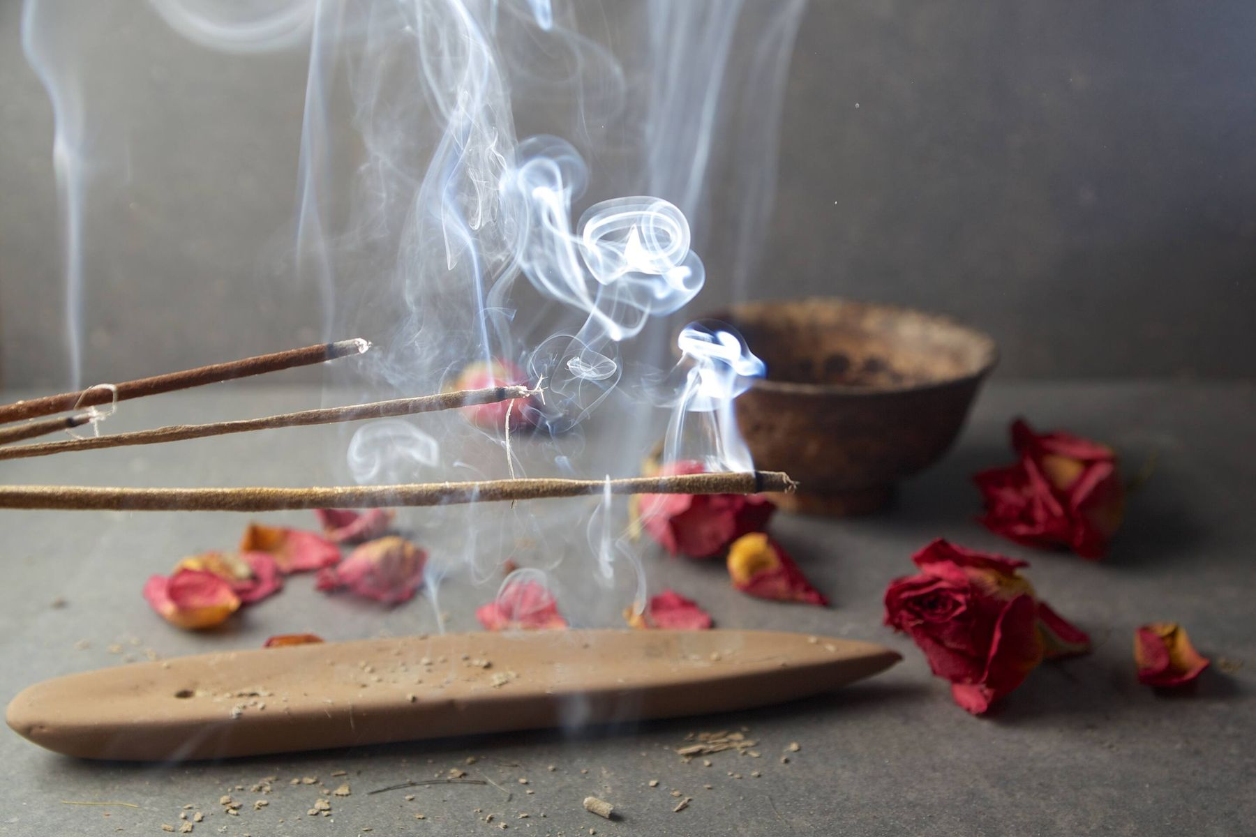 How to Remove Ooodhubatti (Dhoop Batti) Smoke Stains from Your Walls