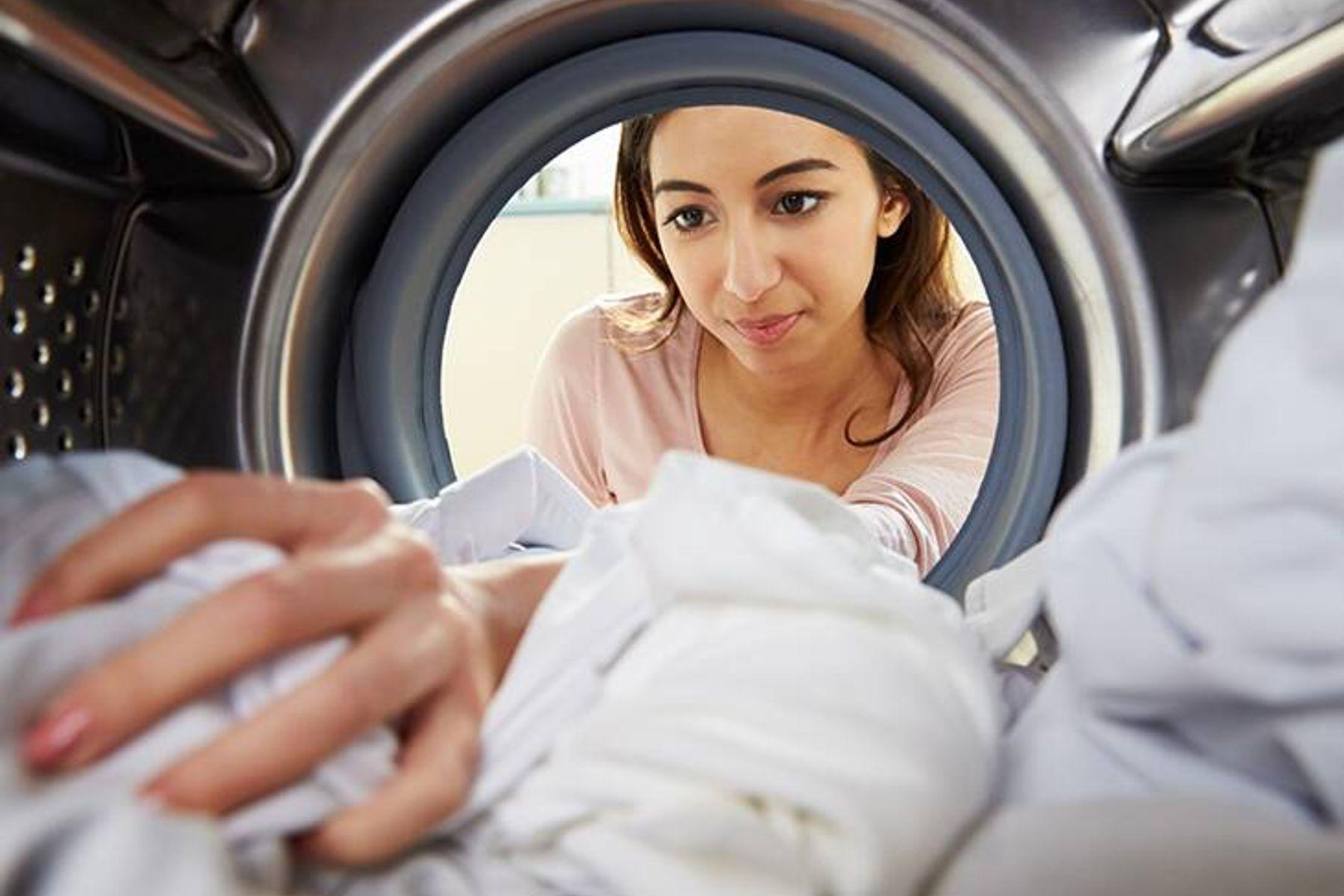 Mẹo giặt đồ cần nhớ: Phân loại quần áo khi giặt
