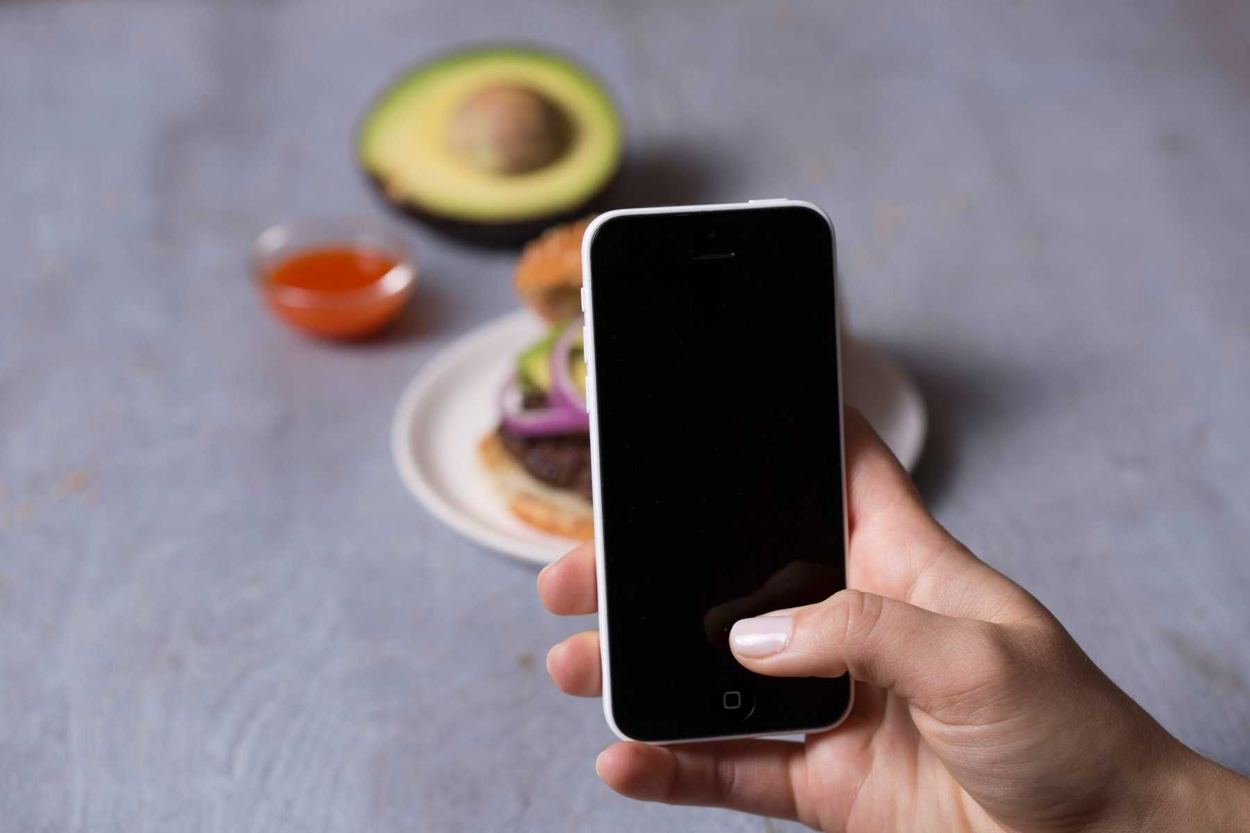 Sử dụng app, phần mềm quản lý chi tiêu gia đình