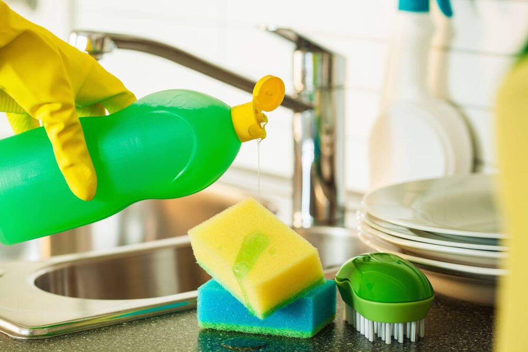 5 Bahan Alami Pengganti Sabun Cuci Piring