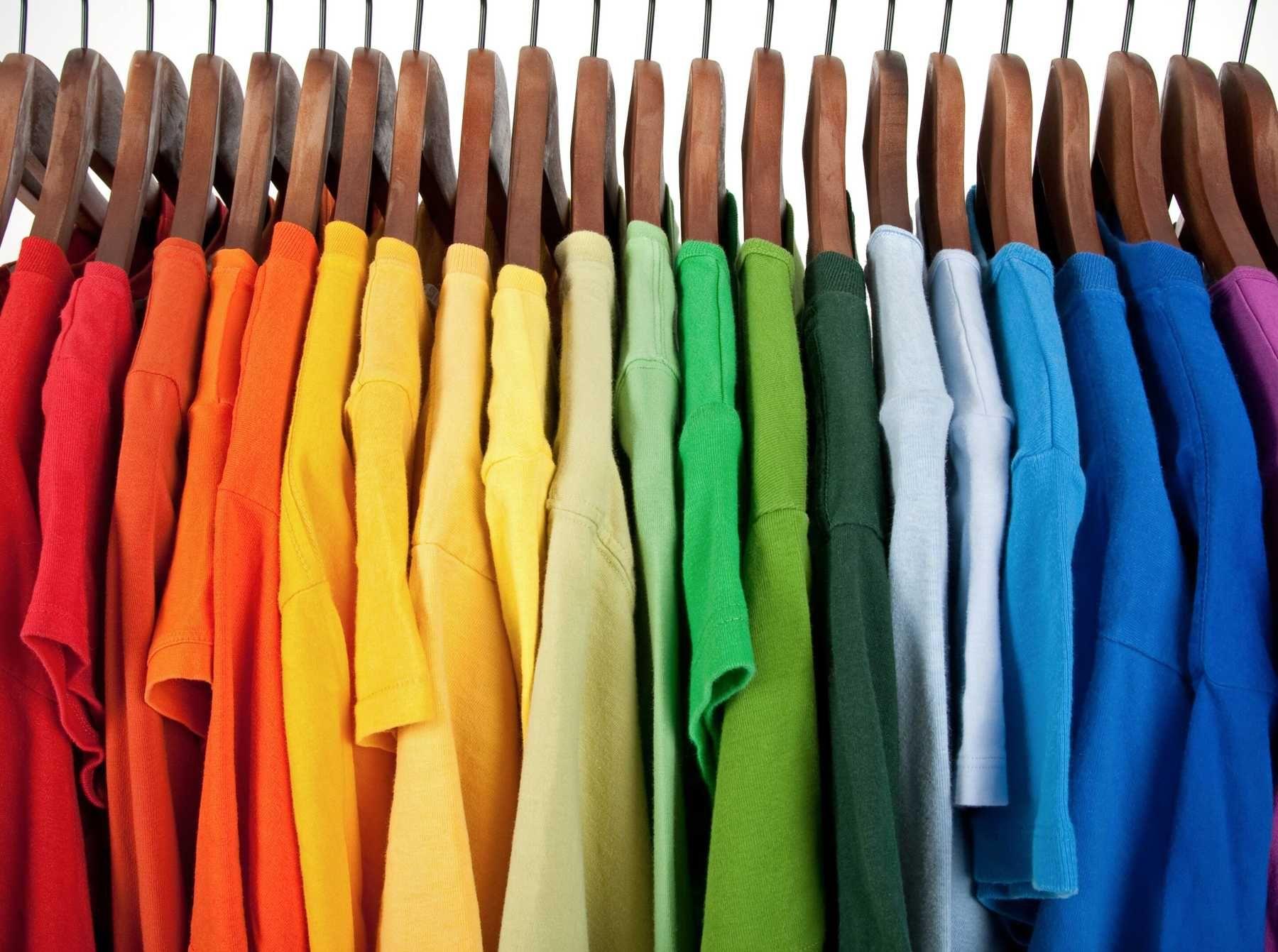Phân loại trước khi giặt quần áo
