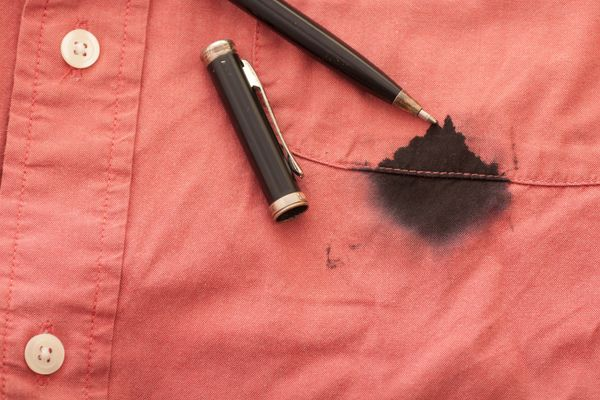 How to Remove Ink Stains from your Clothes | Cleanipedia