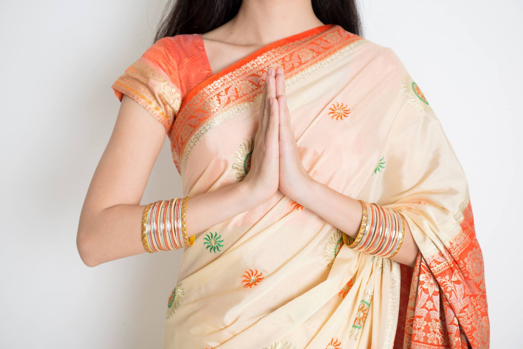 How to Maintain and Store Your Saree Shapewear so it doesn't lose shape