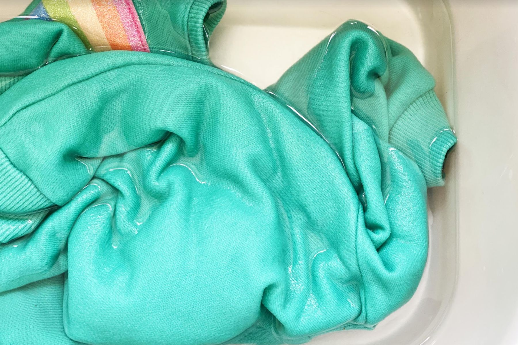 Cómo lavar poliéster correctamente: seguí estos 7 pasos