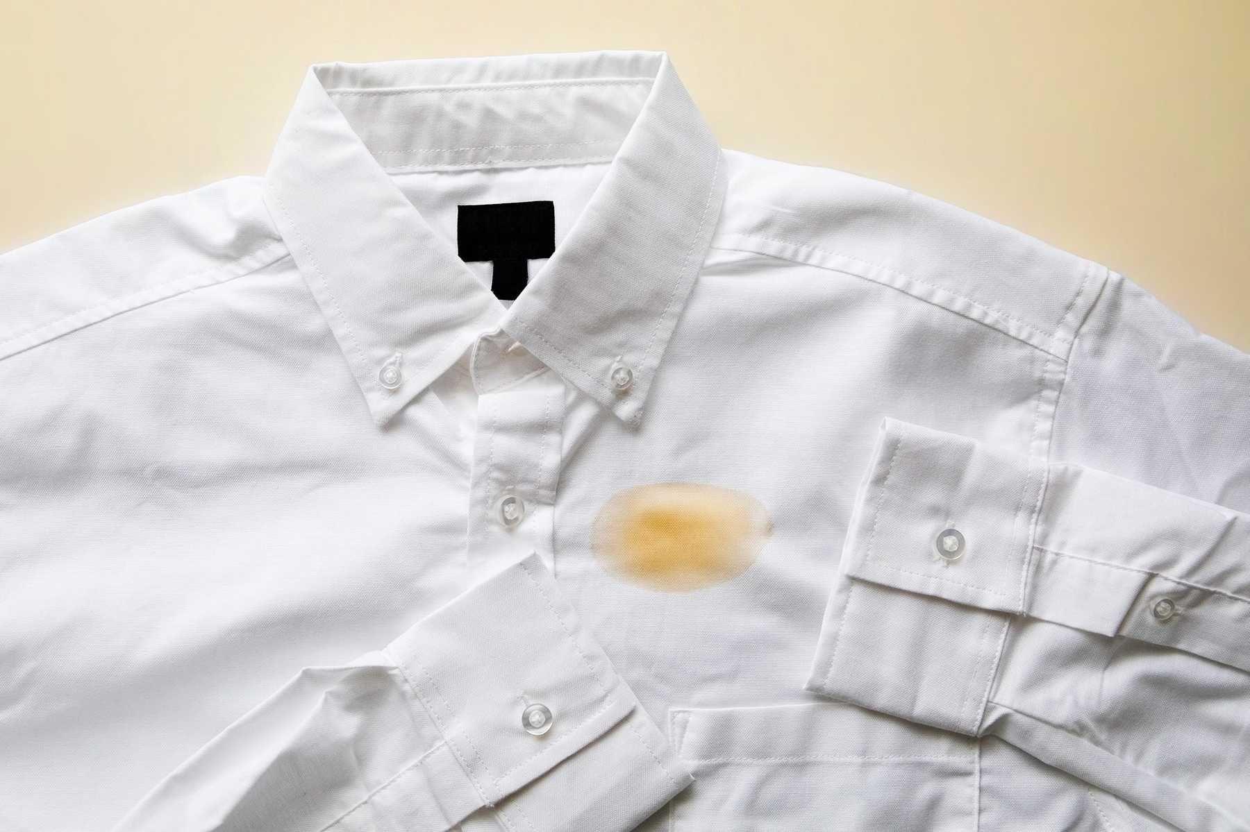 Step 1: Những vết bẩn thường hay dính trên quần áo