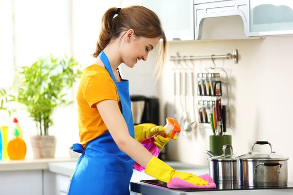How Warm Water Can Help Make Your Kitchen Clean | Cleanipedia