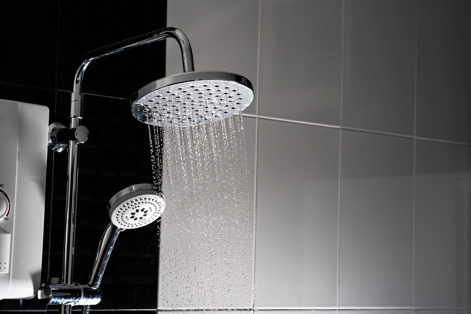 How to Remove Paint Stains From Your Showerhead and Faucets shutterstock 1085491868
