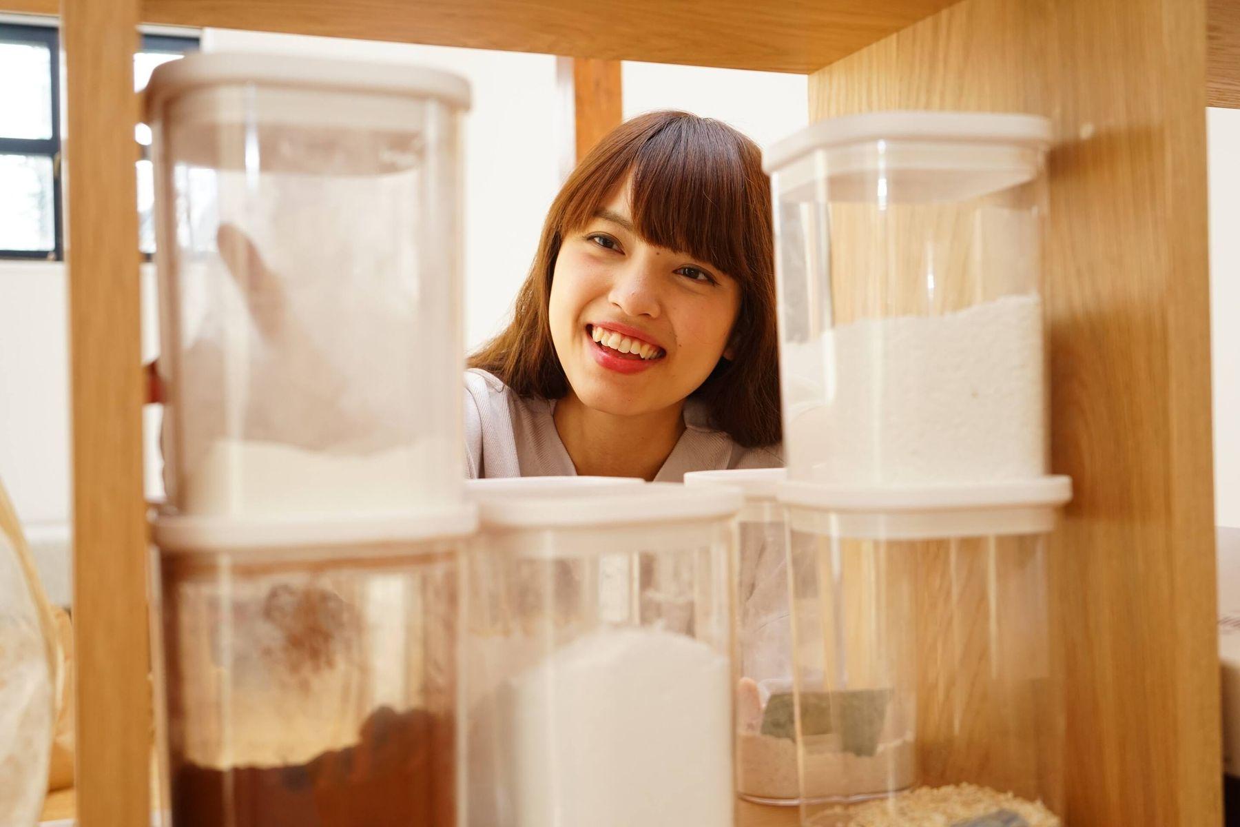 cách khử mùi hôi mắm tôm trên hộp nhựa thực phẩm