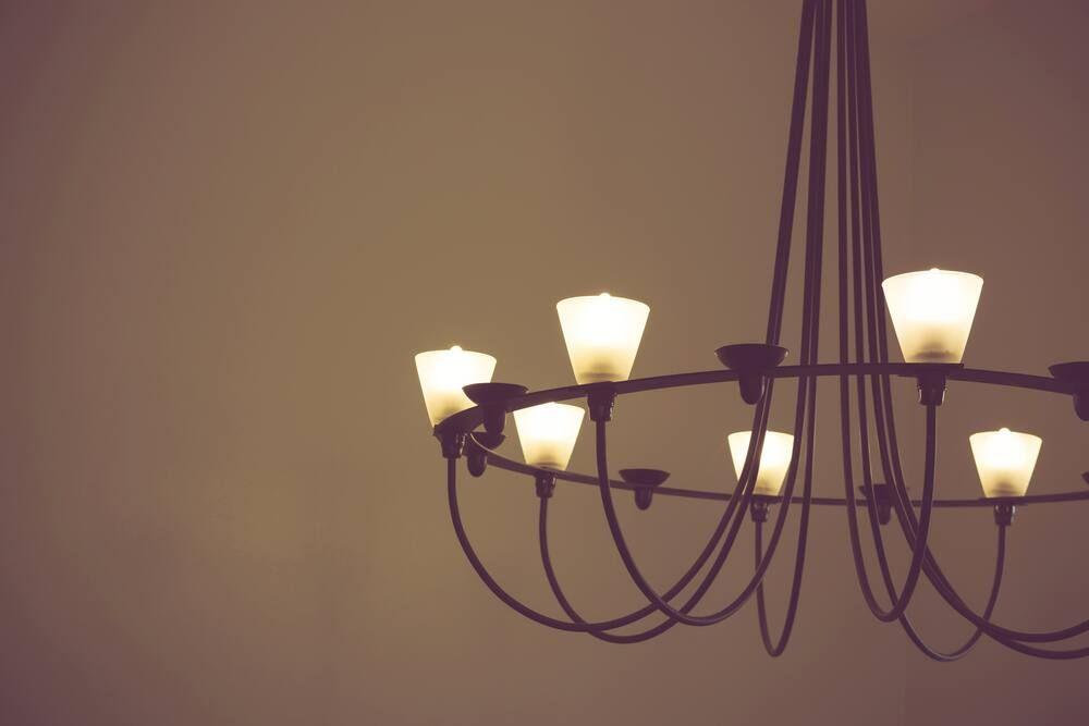 Trang trí nhà cấp 4 với đèn