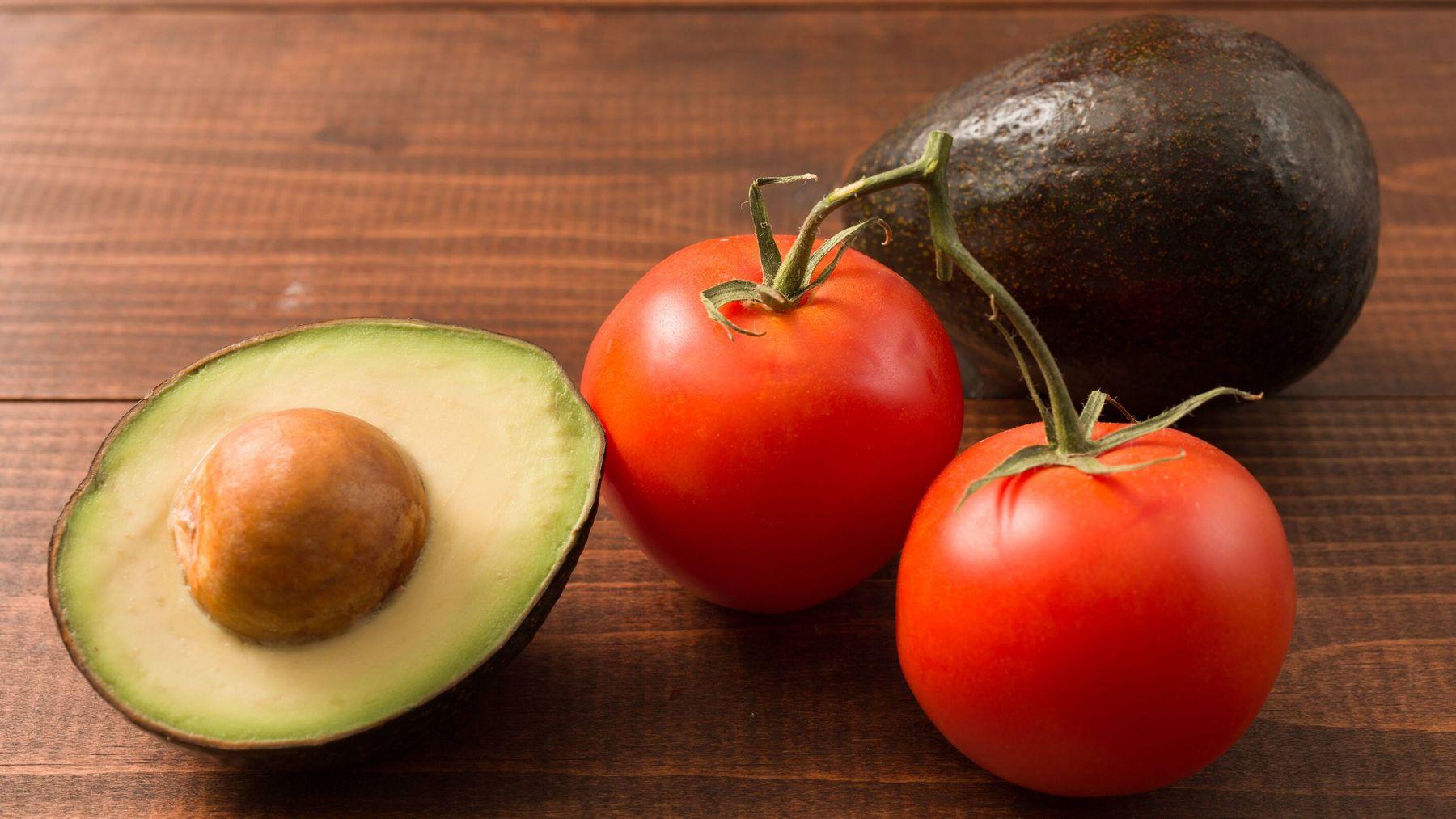 Kinh doanh online trái cây bơ cà chua