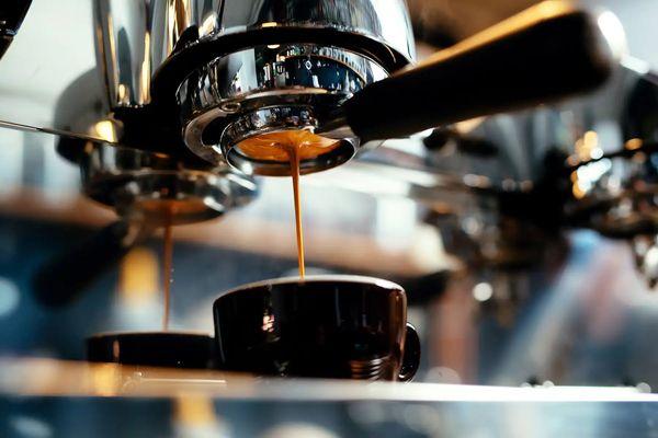 khử mùi hôi trên máy pha cafe