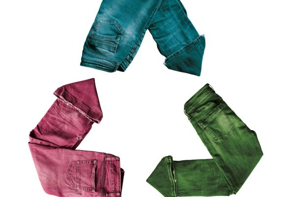 How to Recycle your Old Clothes | Cleanipedia