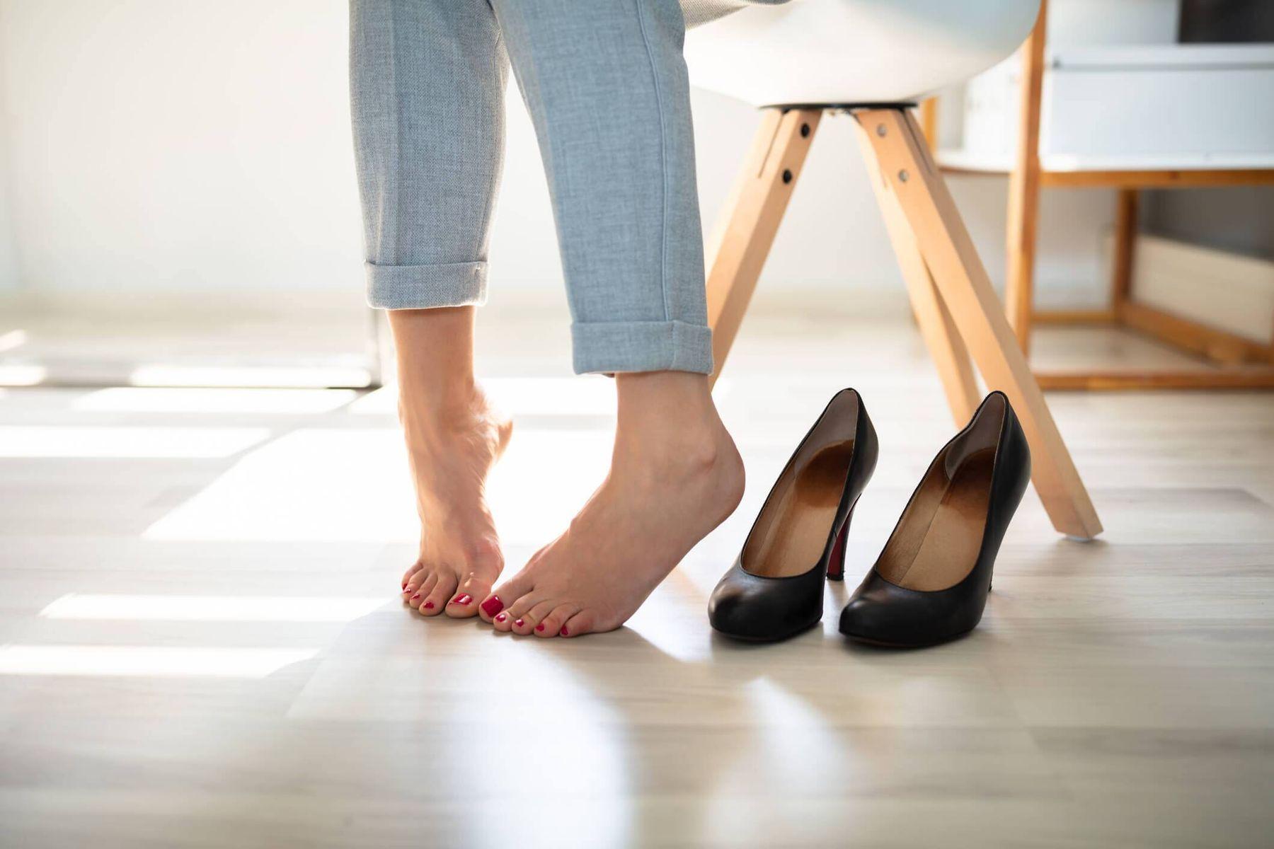 Saiba como tirar o chulé dos pés e sapatos definitivamente