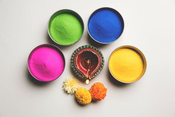 Tips to make rangoli colors at home