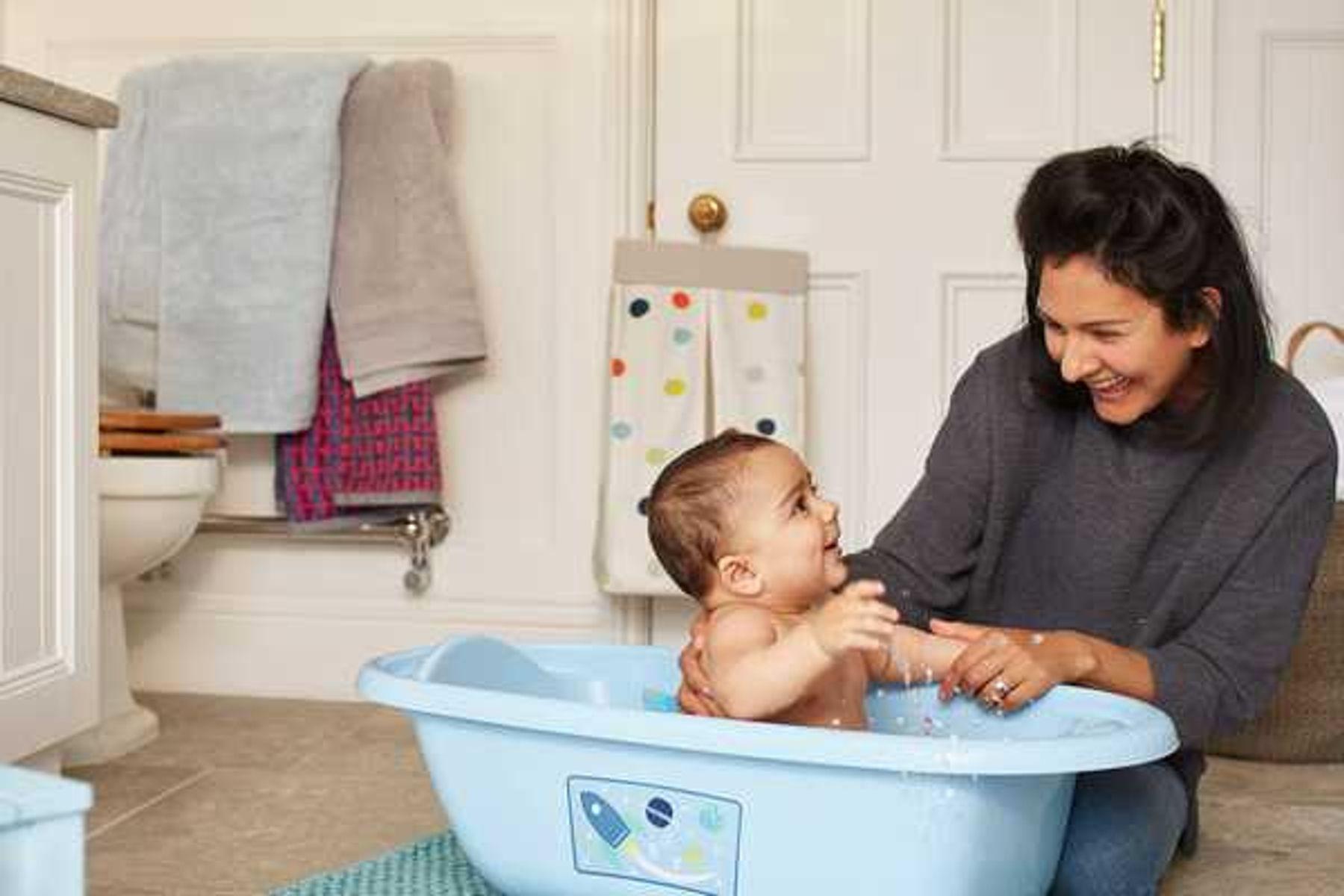 Các cách chăm sóc trẻ bị viêm họng