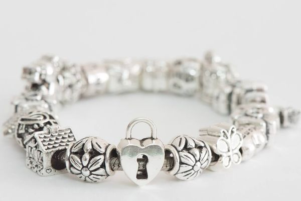 how to clean a pandora bracelet