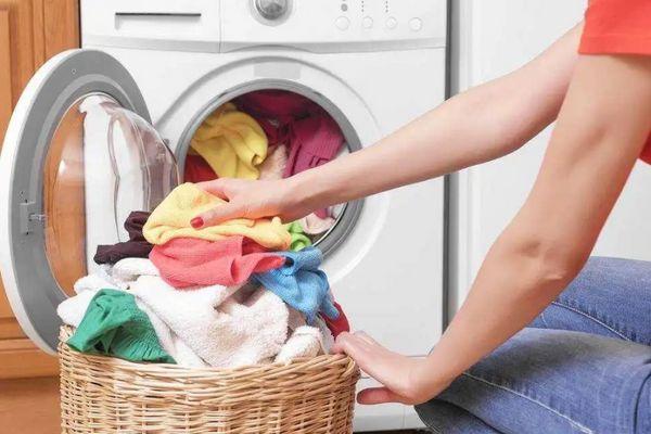 Sử dụng giấy thơm quần áo an toàn hơn khi dùng số lượng thích hợp  | Cleanipedia